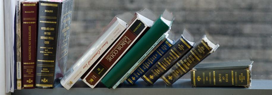 Paras & Manlapaz Lawyers | Books